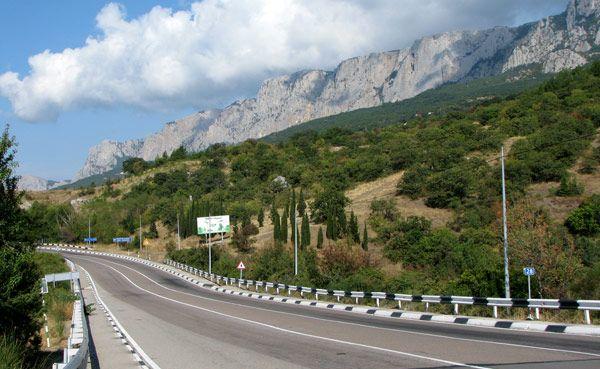 В Крыму восстановлено движение по трассе Симферополь — Ялта