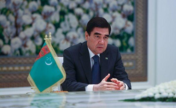 Глава Туркмении объяснил отказ приехать в Москву на парад Победы