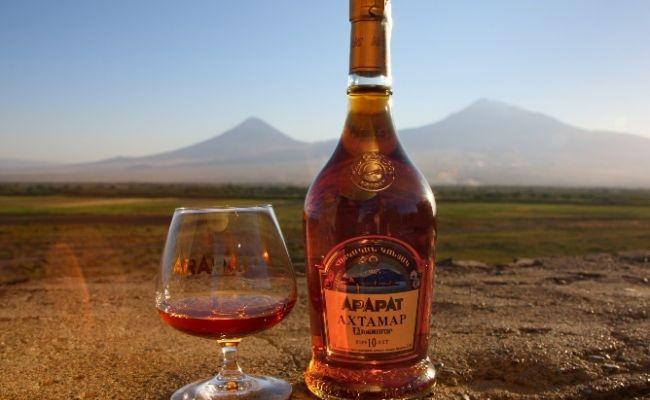 У Держстаті повідомили, якого алкогольного напою українці стали більше пити