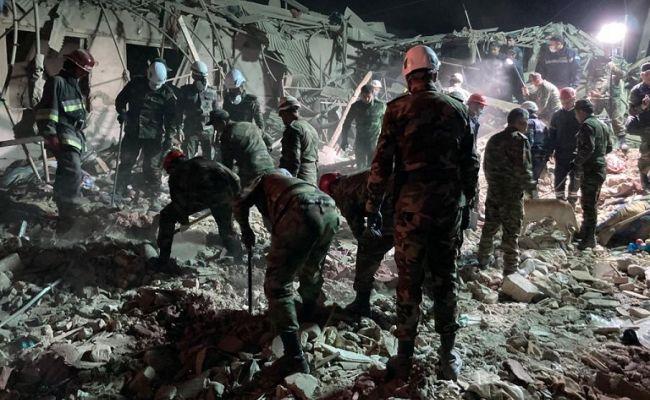 Баку сообщил о гибели 12 жителей Гянджи от ракетного обстрела из Армении