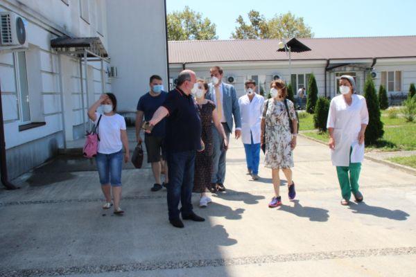 Врачи изМосквы приехали помочь Абхазии вборьбе скоронавирусом