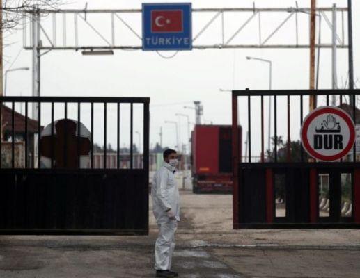 Турция огораживается откоронавируса: МВД огласило список ограничений