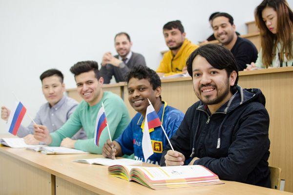 Студенты-иностранцы смогут вернуться кучебе вРоссии после карантина