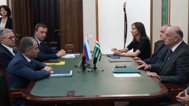 Бабич предложил гармонизировать законы России иАбхазии всфере туризма