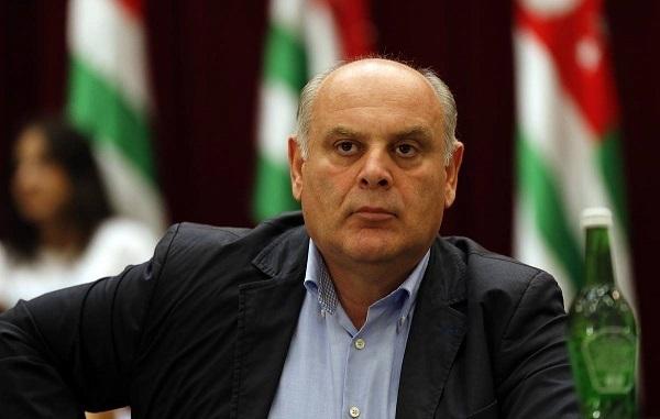 Абхазия несобирается снова закрывать границы из-за коронавируса