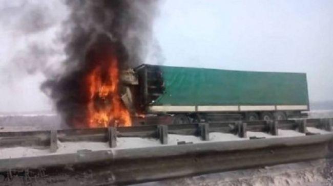СМИ: НаУкраине убиты двое российских дальнобойщиков: EADaily