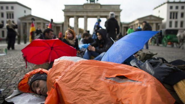 В 2016 году Германия приняла 280 000 беженцев