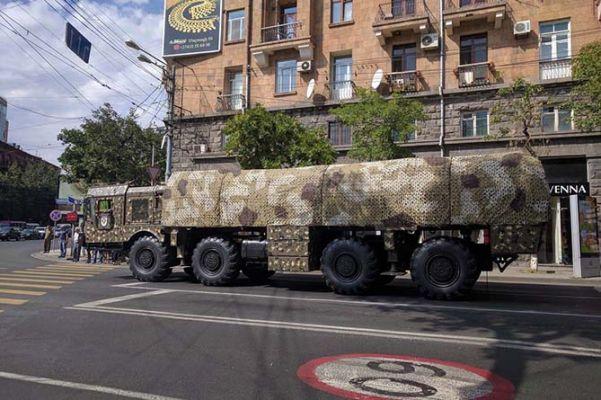 Баку пожаловался в НАТО на Россию из-за поставок «Искандеров» Армении