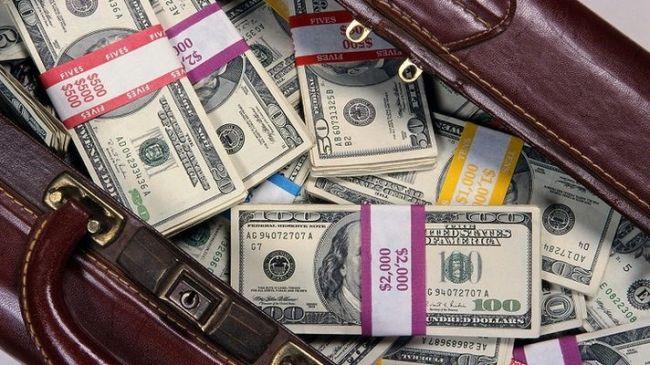 С 2018 года в Узбекистане упрощаются вывоз и ввоз валюты