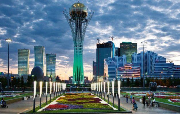 Казахстан заявляет о рекордном потоке туристов в 2017 году