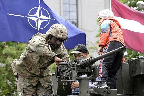 Россия анонсировала масштабные военные учения
