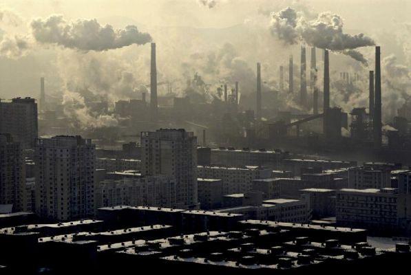 В Китае с 1 апреля начнет действовать налог на загрязнение окружающей среды