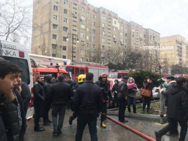 Пожар в Баку: госпитализированы десять человек