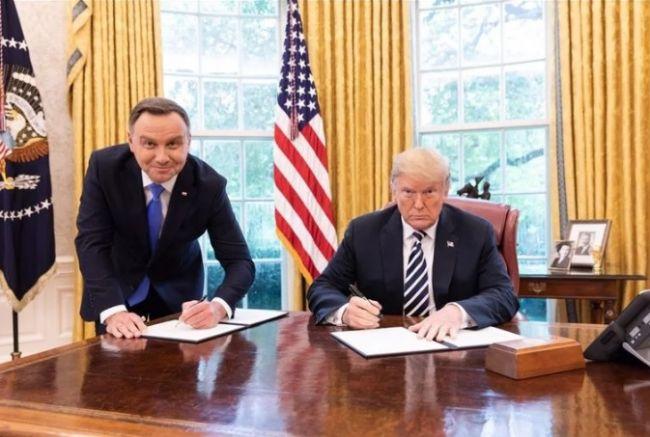 США нагнули Польшу: вместо «Форта Трамп» — реституция еврейского имущества