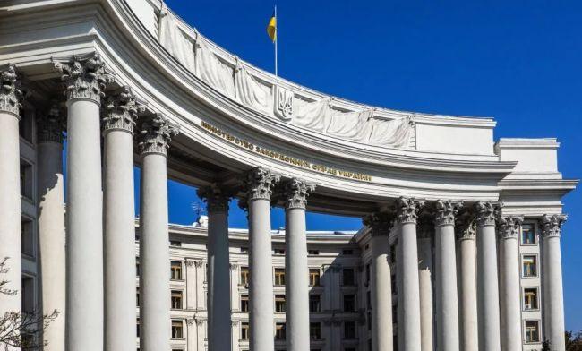 Киев обвинил Москву встремлении квойне из-за опровержения слов Зеленского