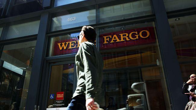 Доходы крупнейших американских банков упали 60%