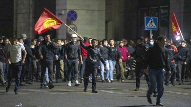 Комендатура Бишкека: Беспорядки вгороде прекращены